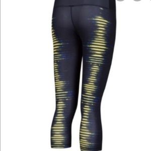 Addis Techfit Capri leggings